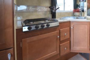 3 Burner Cook Top (Del Oven) - No Charge