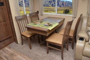 Free-Standing Table With 4 Chairs